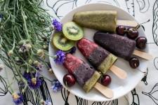 Tříbarevné nanuky s ovocem