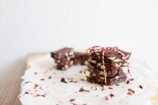Kakaové boby a kustovnice jsou plné antioxidantů. A nejen těch.
