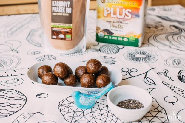Diet protein balls with apple fibre